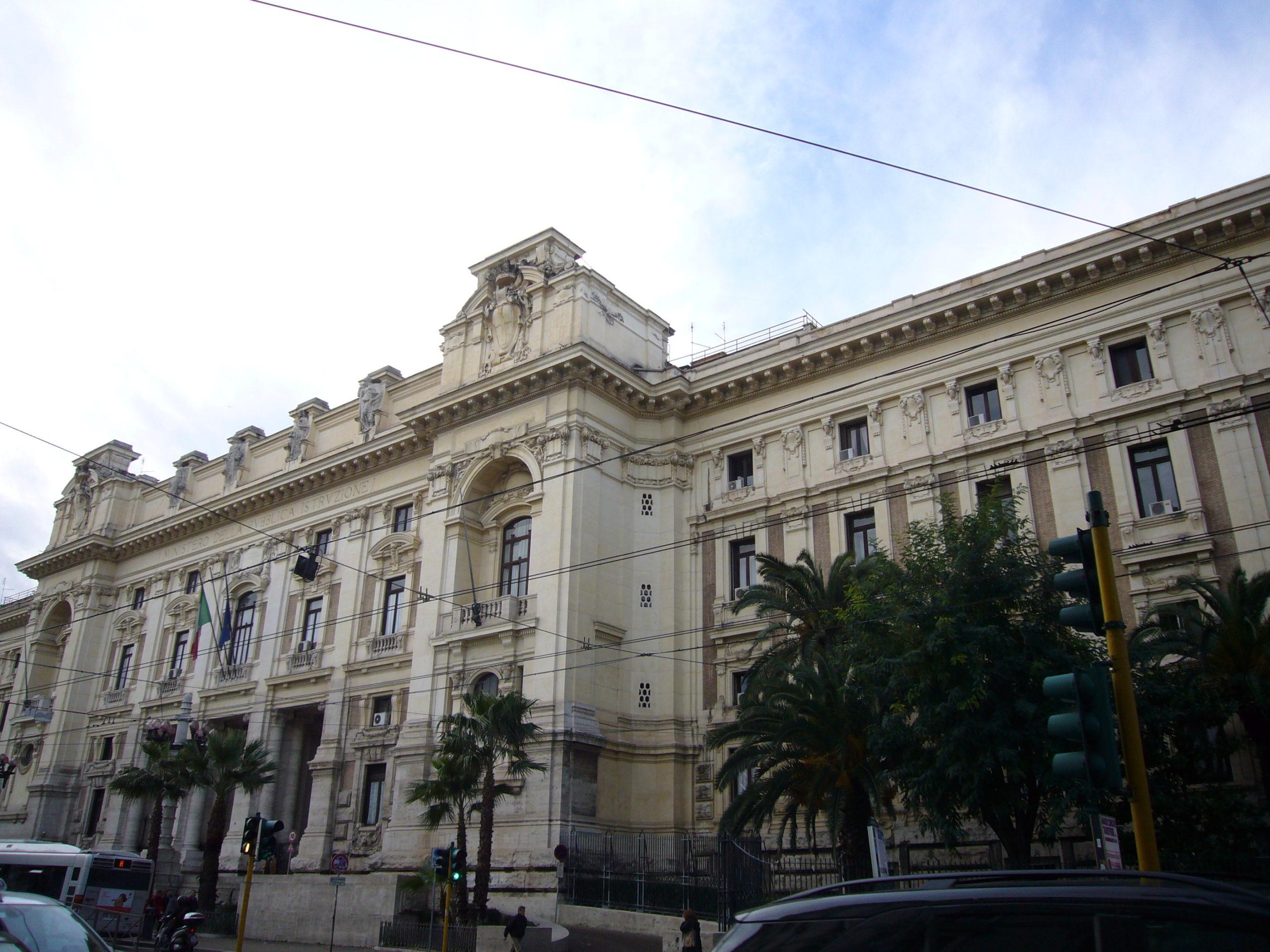 Comunicato del Ministero con i provvedimenti del decreto scuola