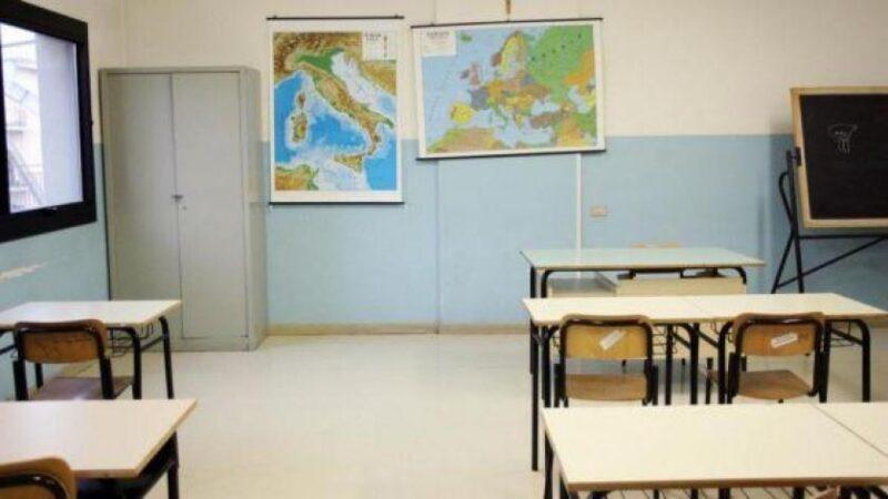 Niente insegnante di sostegno, salta il primo giorno di scuola per un bambino con sindrome di down
