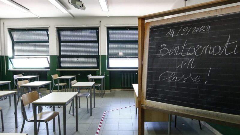Scuola, 5,6 milioni di studenti tornano in classe tra mille incognite